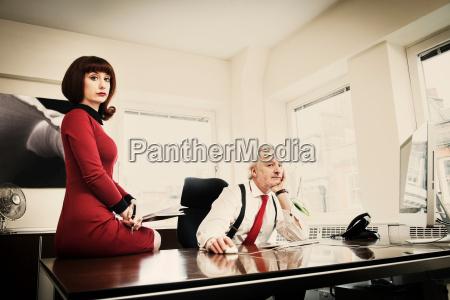 mulher estrategia secretaria secretario feminino masculino