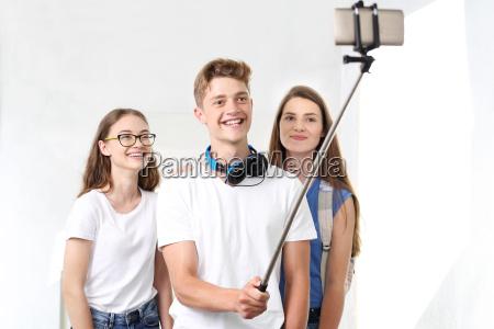 juventude grupo smartphones teens adolescentes adolescente