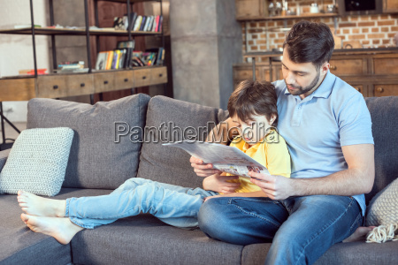jornal tageblatt pessoas povo homem filho