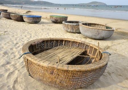 trafego asia praia beira mar da