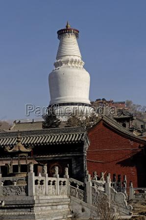 the great white pagoda da baita