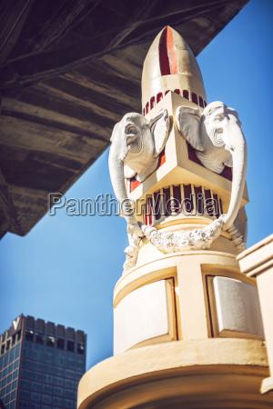 passeio viajar religiao arte estatua elefante