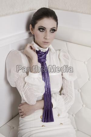 moda elegante retrato roxo vista frontal