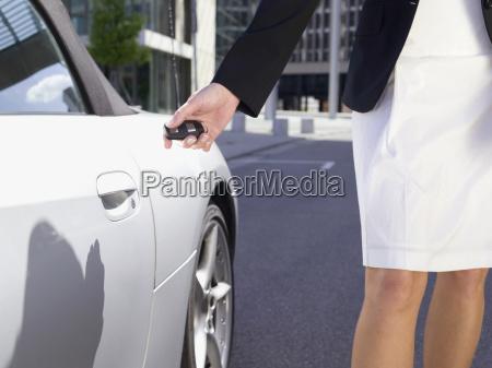 pessoas povo homem feminino carro veiculo