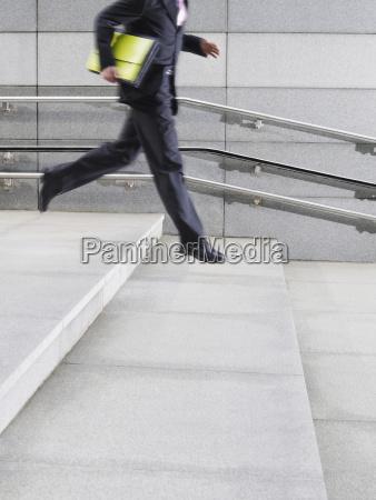 escada movimento em movimento escritorio pedra