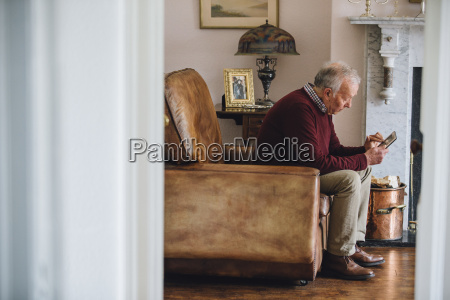cadeira nostalgia caucasiano europeu perda aposentadoria