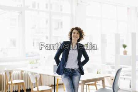 escritorio secretaria caucasiano europeu local de