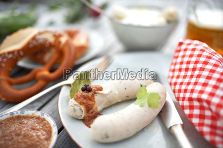 salsicha branca com mostarda doce