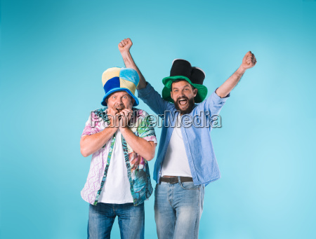 tipo azul personas gente hombre risilla
