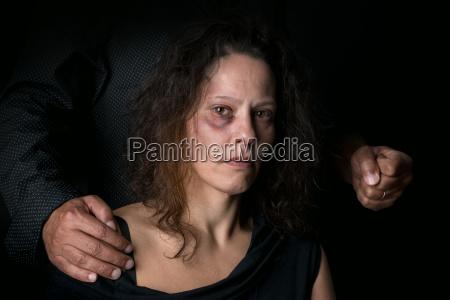 mulher liberdade medo abuso violencia sozinho