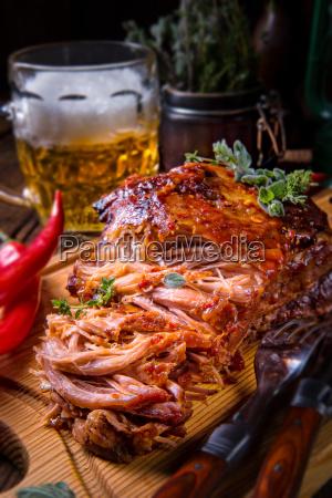 churrasco saboroso puxado de porco