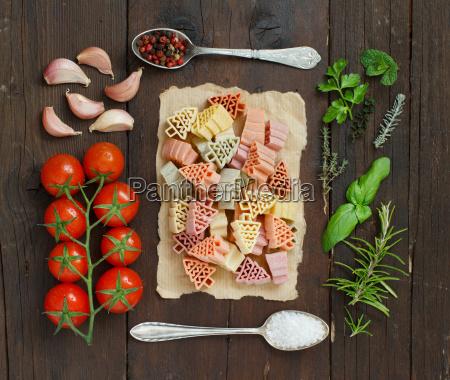 alimento sal pimenta saude arvore verde
