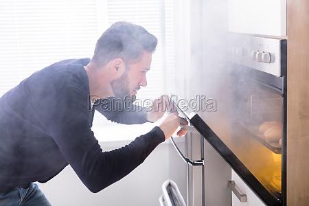 fumaca alimento acidente cozinha cozinheiros cozinhar