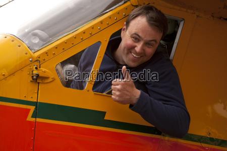 risadinha sorrisos turismo masculino pessoa caucasiano