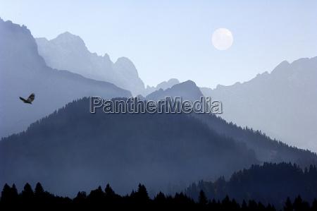 azul montanhas cupula nevoeiro neblina lua