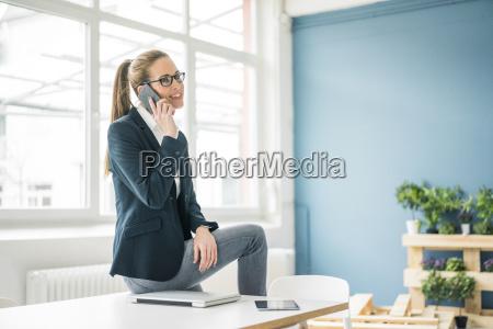 mulher telefone pessoas povo homem caderno