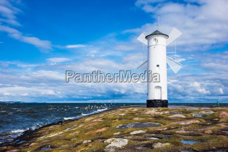 toupeira na costa do mar baltico