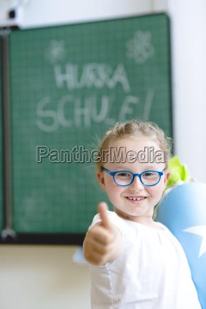estudante no primeiro dia da escola