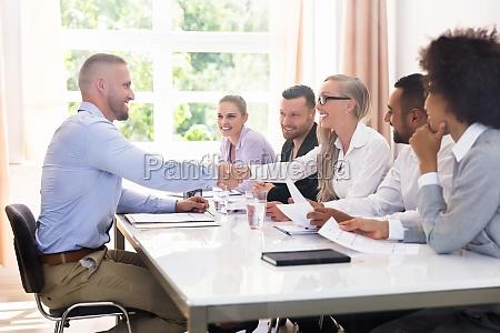 entrevista acordo negocio trabalho profissao agitar