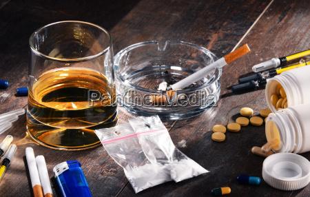 cigarro beber bebida alcool inclinacao drogas