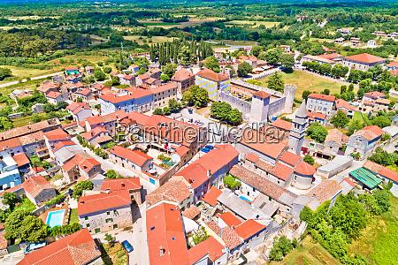 vila de svetvincenat na vista aerea