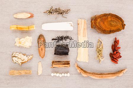 ingredientes tradicionais de ervas chinesas usados