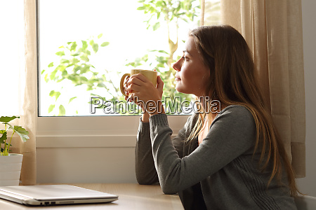 janela cafe mulher proprietario casa fora