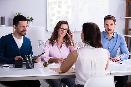 empresaria na job interview