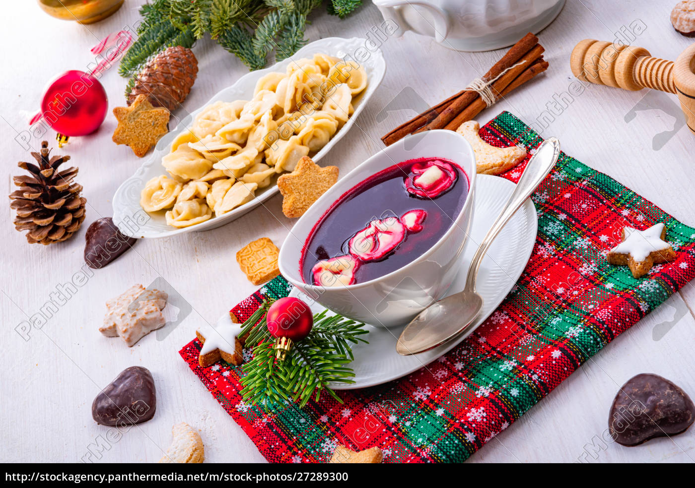 barszcz, (beetroot, soup), with, small, pierogi - 27289300