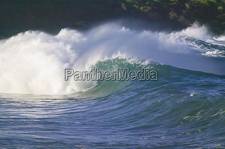 ondas de tempestade no pacifico costa