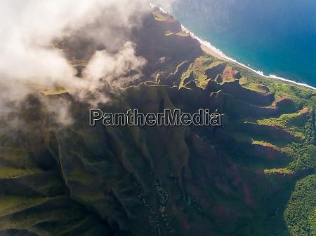 vista aerea da formacao de montanhas