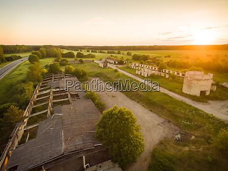 vista aerea das ruinas industriais no