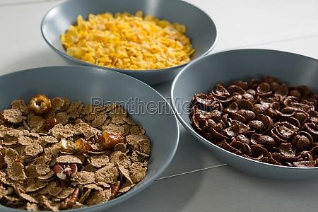 tigelas de varios cafe da manha