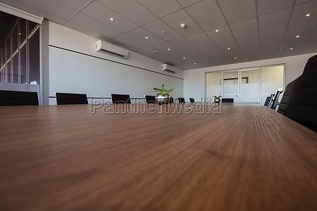 interior da moderna sala de conferencias