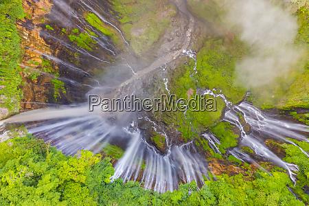 vista aerea da cachoeira tumpak sewu