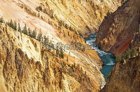 o rio yellowstone e canyon de
