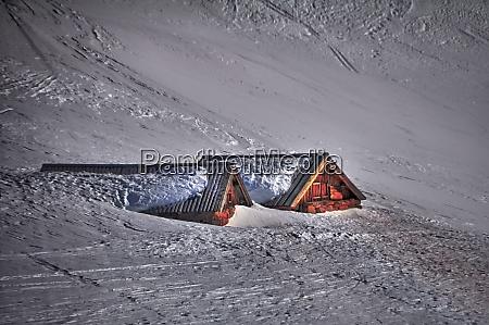 esquiando no tyrol de southern