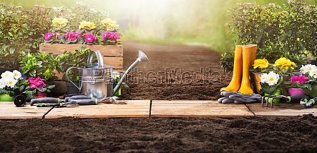 conjunto de ferramentas de jardinagem e