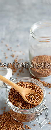 grao de trigo seco cru em
