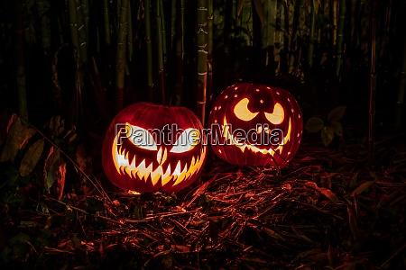 lanternas de aboboras de halloween com