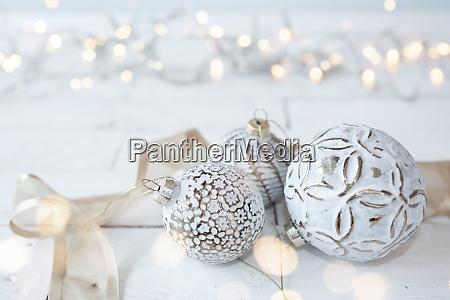 lindas bolas de natal brancas