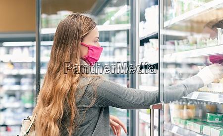 mulher, em, compras, de, supermercado, em - 28963823