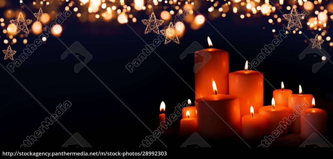 velas, acesas, na, noite, de, natal - 28992303