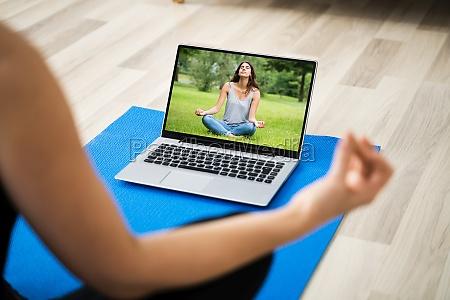 meditacao online de yoga e gerenciamento