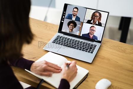 chamada de reuniao webinar de videoconferencia