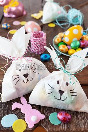 pequenos sacos de presente para a